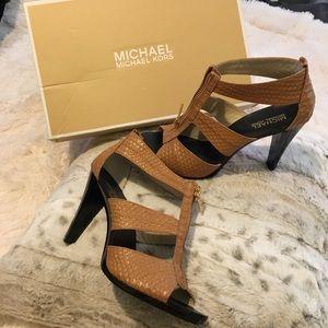 Michael Michael Kors Shoes/Berkley Strap